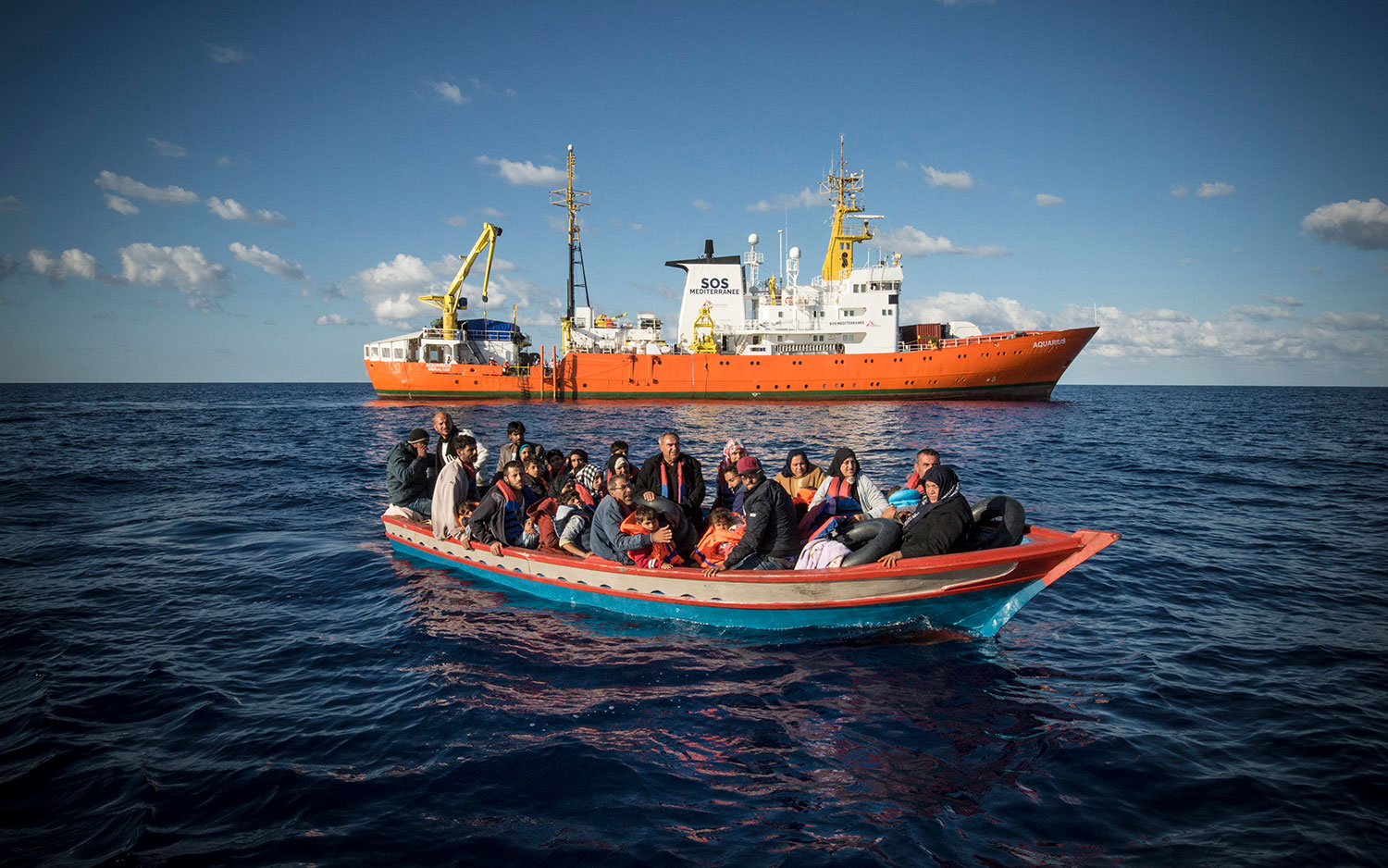 A wooden boat carrying 29 people, mainly Syrians, just before their rescue and transfer to the Aquarius. October 10, 2017.